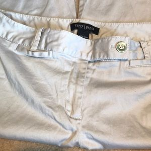 White House Black Market capris pants